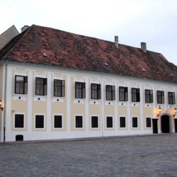 Ban's Court